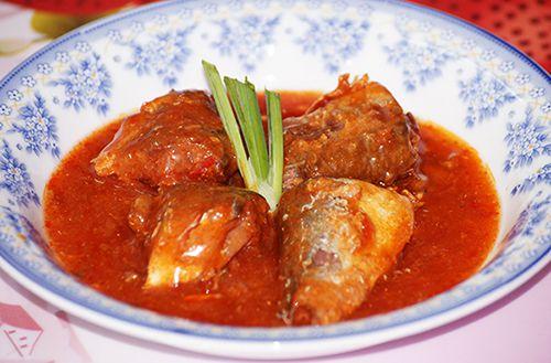 Về Hải Phòng ăn món cá mòi kho dân dã