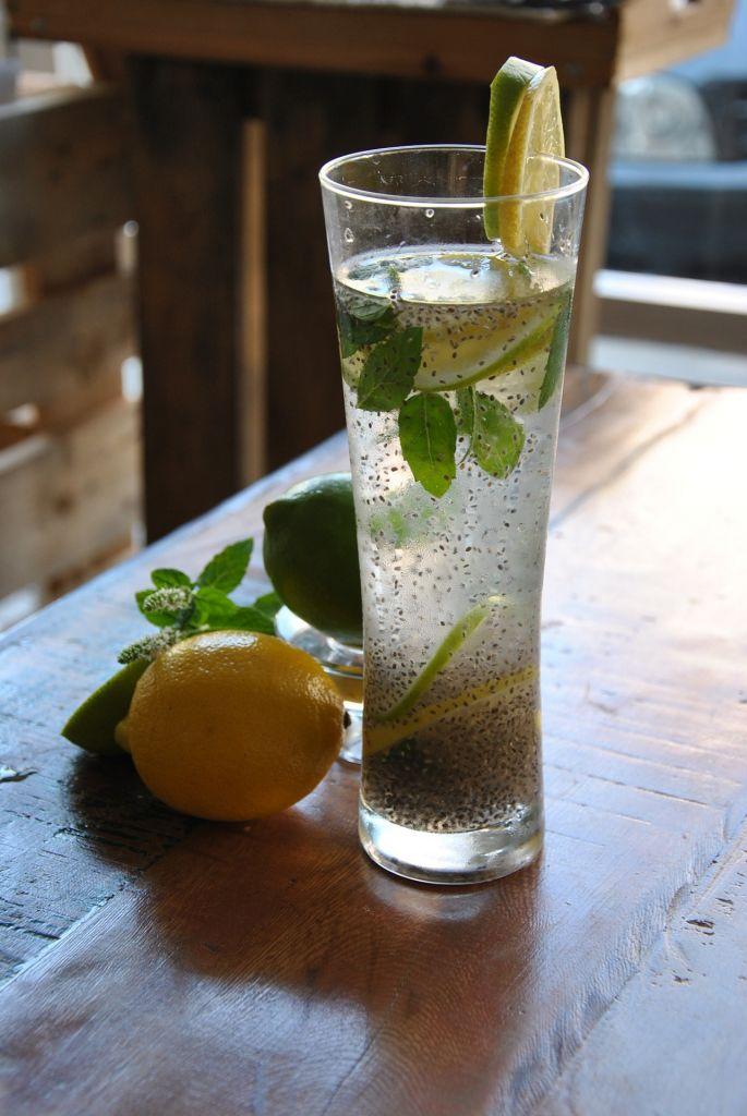 Nước Chanh với Hạt ChiA - Thức uống giải nhiệt mùa hè